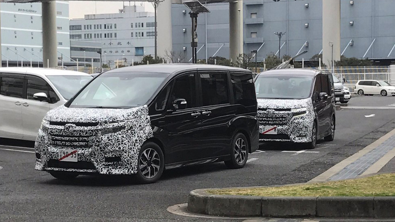 New honda stepwgn spy shot